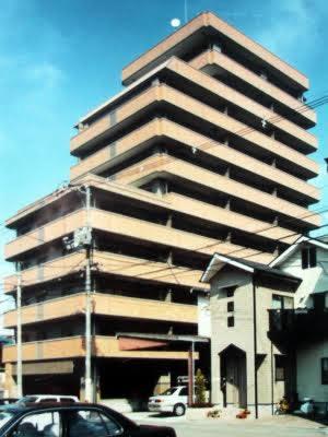 福山市賃貸マンションのメゾン八杉は11階建て全室3LDK30室南向き